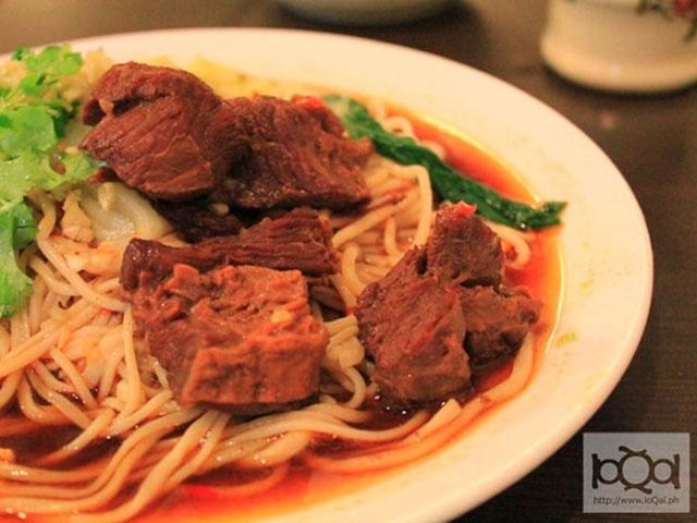 QC restaurant serves authentic Chinese hand-pulled noodles