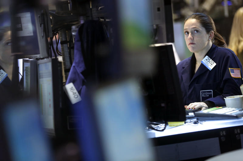 Stocks fade after Fed discloses split on stimulus