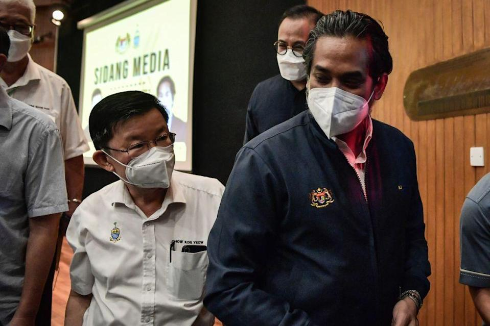 Health Minister Khairy Jamaluddin (right) is seen with Penang Chief Minister Chow Kon Yeow at Komtar, George Town September 11, 2021. — Bernama pic