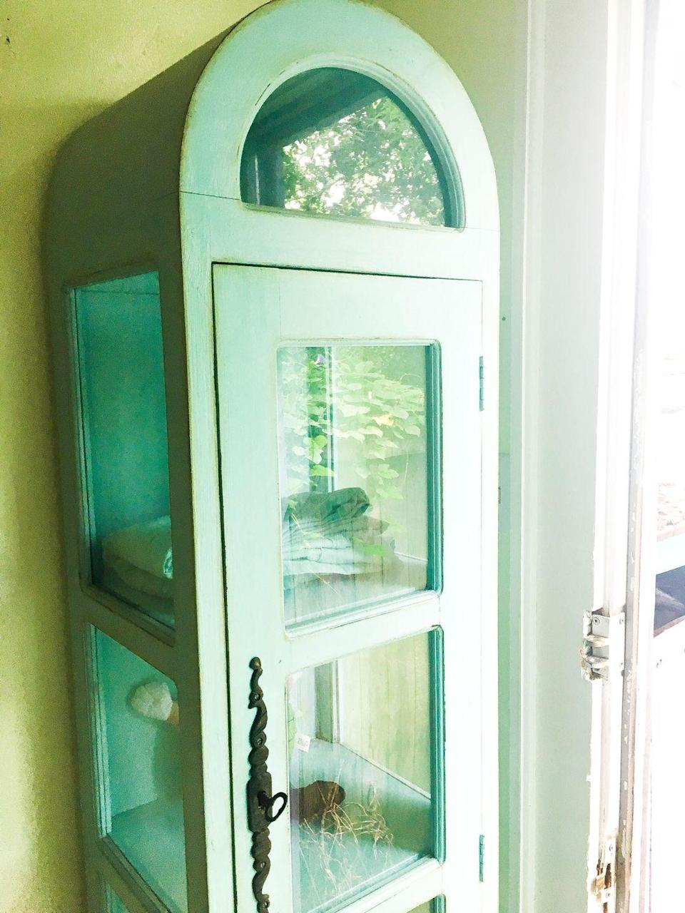 <p>Curio cabinets were used to display anything from one's prized chachkies to their fine china—but both of which seem passé in 2019. </p>