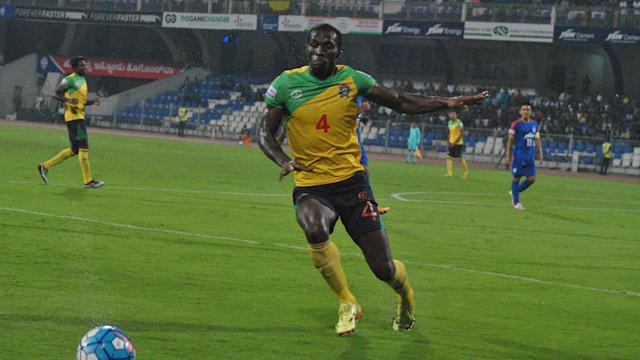 The Kolkata side could only manage a draw in Shillong while Delhi Dynamos' reserve side ended their losing run...