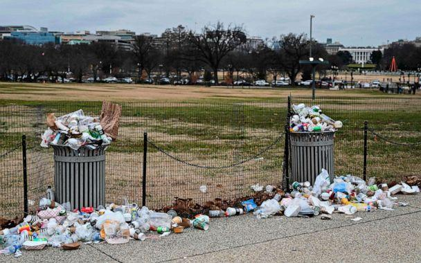 PHOTO: The White House is seen in the background, as trash lays uncollected on the National Mall due to the partial shutdown of the U.S. government on Jan. 2, 2019, in Washington, D.C. (Andrew Caballero-Reynolds/AFP via Getty Images, FILE)