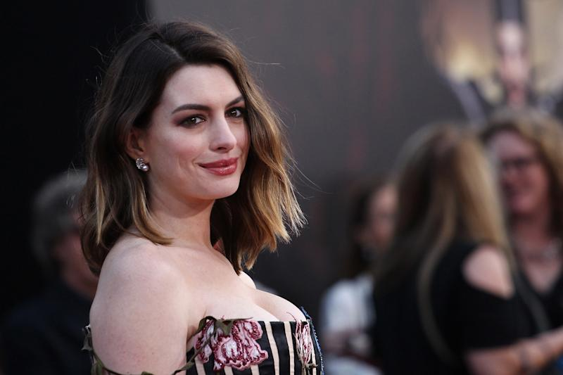 """Anne Hathaway Reveals That She Used to Dislike Herself """"Intensely"""""""
