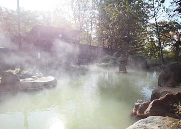 """▲This hot spring is called """"Rejuvenation Water"""""""