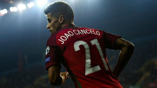 Valencia deny Chelsea bid for Cancelo but hope to seal double Inter swoop