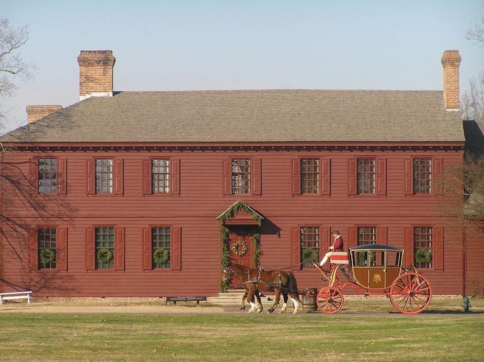 """<p>Colonial holiday traditions like caroling by torchlight, fife and drum performances, and interpretive programs (care to celebrate with the Madisons and Jeffersons?!) set the stage for Christmas in charming <a href=""""https://go.redirectingat.com?id=74968X1596630&url=https%3A%2F%2Fwww.tripadvisor.com%2FTourism-g58313-Williamsburg_Virginia-Vacations.html&sref=https%3A%2F%2Fwww.countryliving.com%2Flife%2Ftravel%2Fg2829%2Fbest-christmas-towns-in-usa%2F"""" rel=""""nofollow noopener"""" target=""""_blank"""" data-ylk=""""slk:Williamsburg"""" class=""""link rapid-noclick-resp"""">Williamsburg</a>. The activities culminate in a <a href=""""https://www.colonialwilliamsburg.com/plan/calendar/grand-illumination"""" rel=""""nofollow noopener"""" target=""""_blank"""" data-ylk=""""slk:Grand Illumination"""" class=""""link rapid-noclick-resp"""">Grand Illumination</a>, a celebratory fireworks and historic gun-salute display, best viewed from the town green. For the less historic minded, nearby <a href=""""https://go.redirectingat.com?id=74968X1596630&url=http%3A%2F%2Fseaworldparks.com%2Fen%2Fbuschgardens-williamsburg%2Fchristmastown%2F&sref=https%3A%2F%2Fwww.countryliving.com%2Flife%2Ftravel%2Fg2829%2Fbest-christmas-towns-in-usa%2F"""" rel=""""nofollow noopener"""" target=""""_blank"""" data-ylk=""""slk:Busch Gardens"""" class=""""link rapid-noclick-resp"""">Busch Gardens</a> opens for the holiday with Christmas Town, a stroll through European holiday traditions.</p><p><strong><a class=""""link rapid-noclick-resp"""" href=""""https://go.redirectingat.com?id=74968X1596630&url=https%3A%2F%2Fwww.tripadvisor.com%2FTourism-g58313-Williamsburg_Virginia-Vacations.html&sref=https%3A%2F%2Fwww.countryliving.com%2Flife%2Ftravel%2Fg2829%2Fbest-christmas-towns-in-usa%2F"""" rel=""""nofollow noopener"""" target=""""_blank"""" data-ylk=""""slk:PLAN YOUR TRIP"""">PLAN YOUR TRIP</a></strong></p>"""