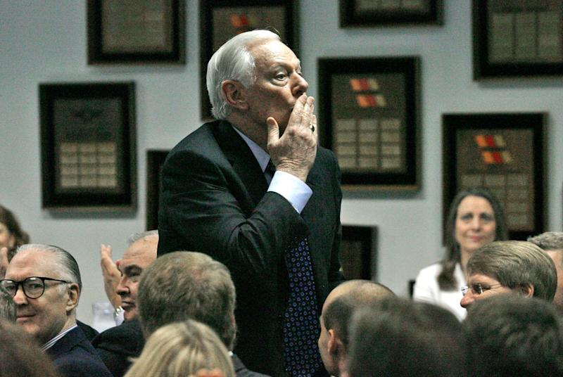 Southwest Airlines Chairman Emeritus Herb Kelleher prepares to blow a kiss to the audience at the company's annual shareholders meeting at their Dallas headquarters, Wednesday, May 20, 2009. (AP Photo/Mike Stone)