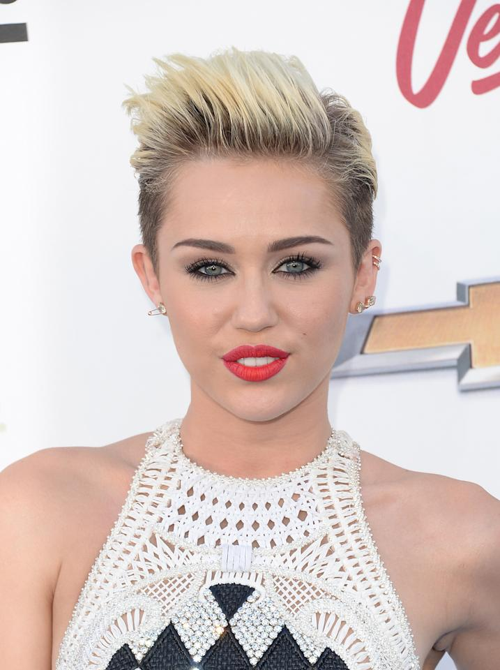 The Pixie Haircut 12 Ways To Style Your Short Do