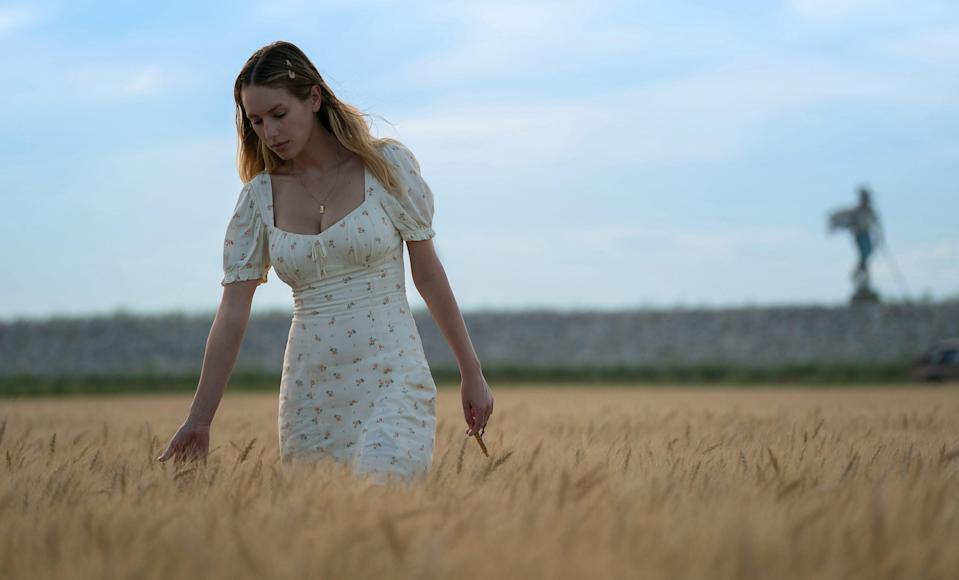 Dylan Penn in 'Flag Day' - Credit: MGM