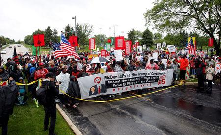 'Fight for 15' targets McDonald's shareholder meeting