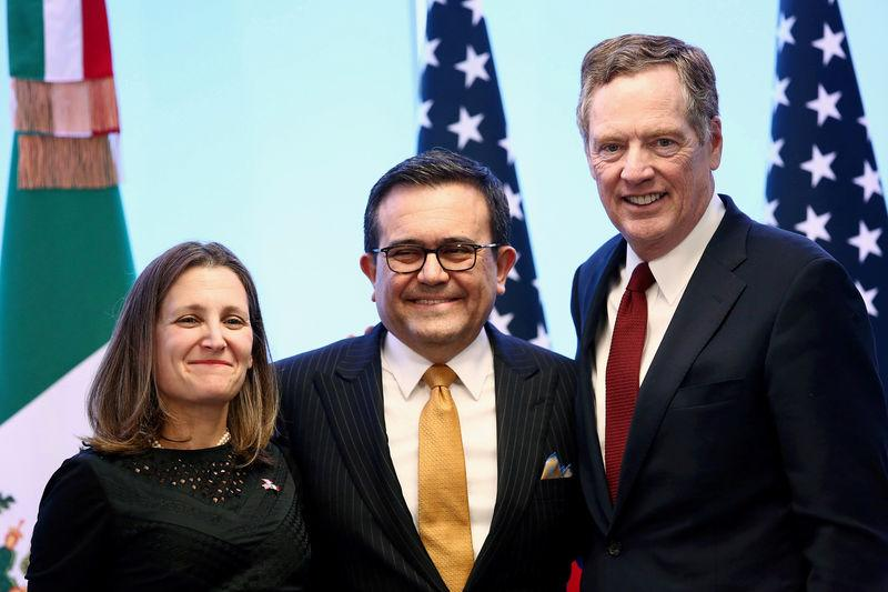 FILE PHOTO: Canadian Foreign Minister Freeland, Mexican Economy Minister Guajardo and U.S. Trade Representative Lighthizer at NAFTA talks in Mexico City