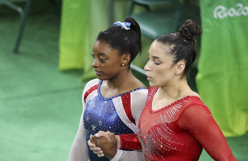American gymnasts Simone Biles (L) and Aly Raisman (R) during the 2016 Rio Olympics. (Damir Sagolj / Reuters)