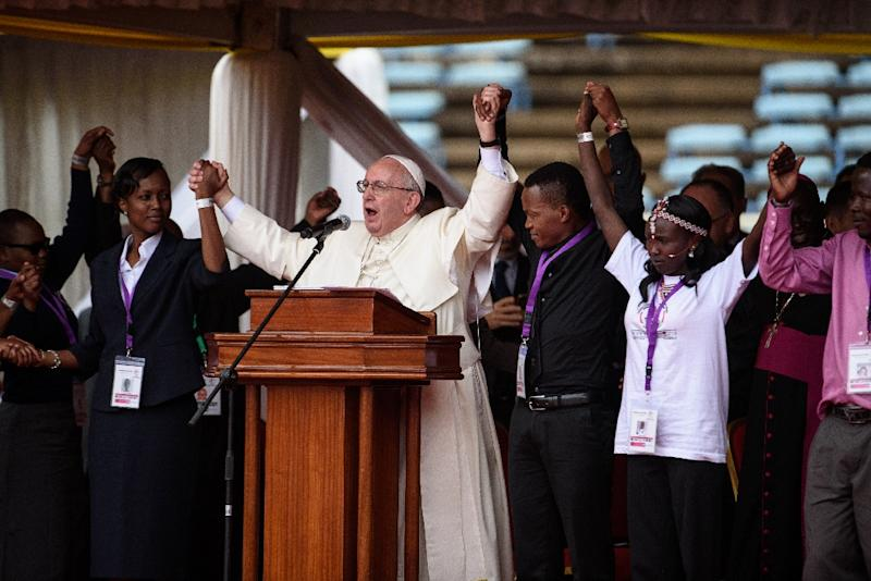 Pope Francis addresses Kenyan youth at Kasarani stadium in Nairobi on November 27, 2015 (AFP Photo/Jennifer Huxta)