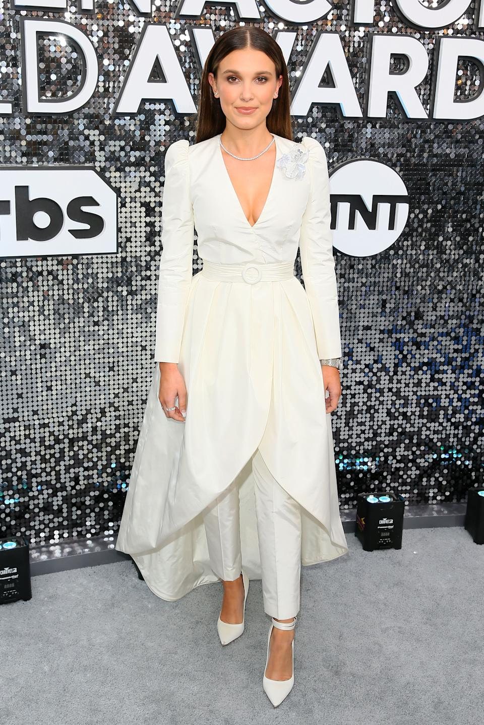 """The """"Stranger Things"""" star and SAG Awards presenter arrived in a fashion-forward pantsuit by Louis Vuitton."""