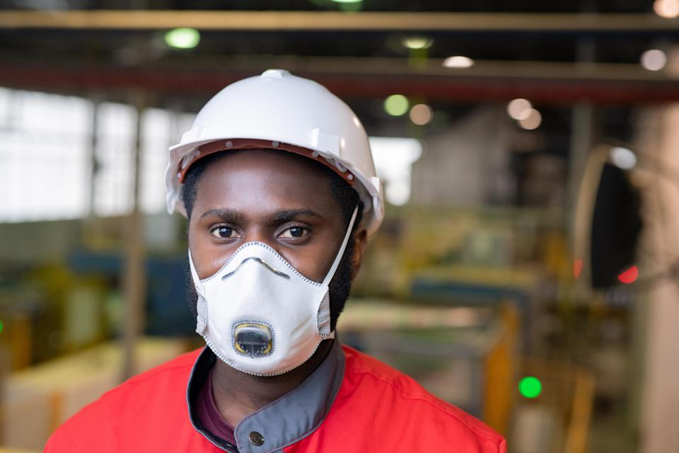 "Almost a fifth of COPD among construction workers is due to on-the-job exposure to vapors, gases, dusts and fumes, according to a 2015 <a href=""https://www.cpwr.com/sites/default/files/publications/DementCOPD%2BWorkExposureKF.pdf"" rel=""nofollow noopener"" target=""_blank"" data-ylk=""slk:Duke University study"" class=""link rapid-noclick-resp"">Duke University study</a> published in the <em>American Journal of Industrial Medicine</em>. (Photo: Getty Creative)"