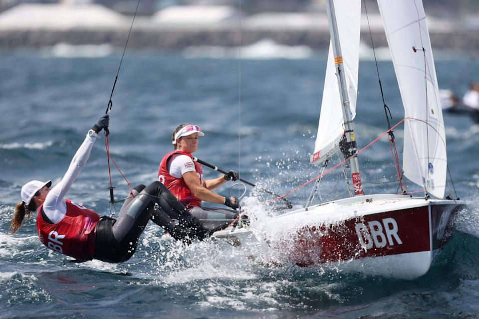 Hannah Mills and Eilidh McIntyre of Team Great Britain compete in the Women's 470 class (Getty)