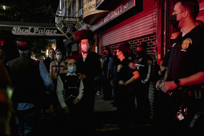 Protesters gather in the Borough Park neighborhood of Brooklyn on Oct. 7, 2020, to denounce a new set of coronavirus restrictions in areas where the positivity rate had increased. (Mark Abramson/The New York Times)