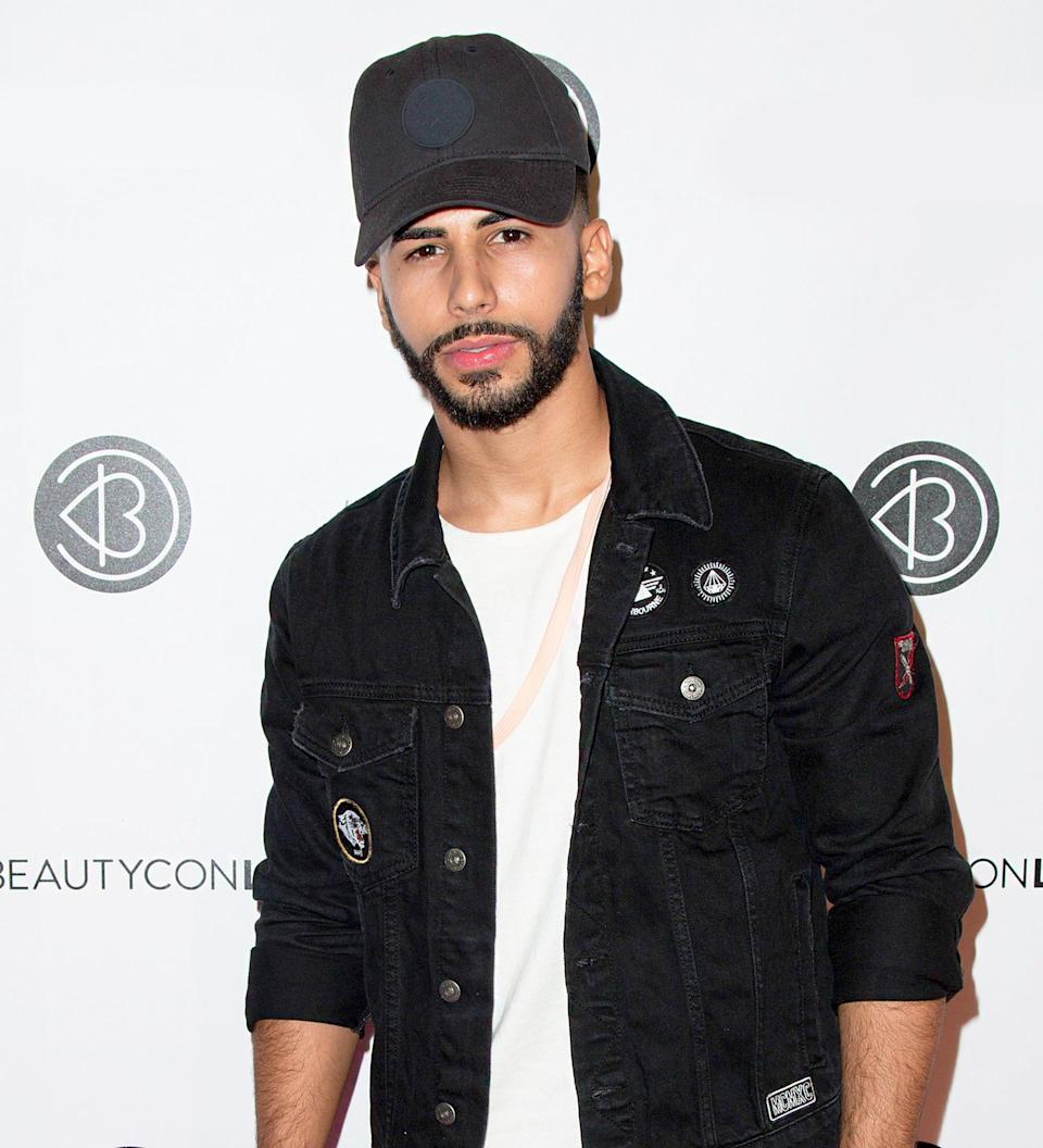 YouTube star Adam Saleh says he was kicked off a Delta flight for speaking Arabic on Wednesday, December 21, causing the hashtag 'BoycottDelta' to trend on Twitter — watch the disturbing video