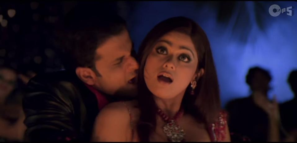 Shamita went back to doing item numbers and taking up supporting roles. In 2005, she featured in the Anil Kapoor-Kareena Kapoor starer <em>Bewafa </em>and her over dramatized rendition of <em>Pallavi Arora</em> was a cringe-fest. By the way, can we just talk about what a spitting image of Shilpa Shetty she looks in this shot?