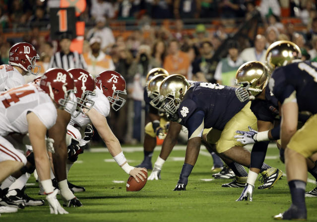 Alabama and Notre Dame have not played since the 2013 BCS National Championship. (AP Photo/David J. Phillip, File)