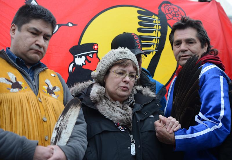 Canadian aboriginal chief to end hunger strike