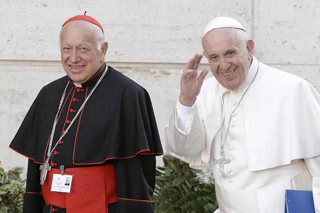 VAT01. Vatican City (Italy), 05/10/2015.- (FILE) - Cardinal Ricardo Ezzati (L) with Pope Francis (R) arrive for a session of the two-week bishops' meeting on family issues, at the Vatican City, Vatican, 05 October 2015 (reissued 23 March 2019). Media reports state on 23 March 2019, that Pope Francis has accepted the resignation of Cardinal Ricardo Ezzati Andrello, Archbishop of Santiago, Chile, who faces multiple charges over allegations that he covered up cases of clerical sexual abuse. Bishop Celestino Aos Braco has been named by the pontiff as 'apostolic administrator' to run the archdiocese until a new archbishop appointment to succeed Ezzati, media added. (Papa) EFE/EPA/GIUSEPPE LAMI *** Local Caption *** 52292857