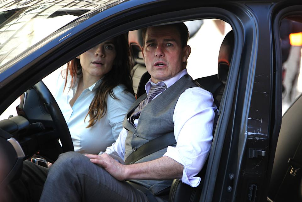 ROME, ITALY - NOVEMBER 26, 2020: Actor Tom Cruise and actress Hayley Atwell, during the shooting of the movie Mission Impossible 7- Libra, along via Panisperna- PHOTOGRAPH BY Marco Ravagli / Barcroft Studios / Future Publishing (Photo credit should read Marco Ravagli/Barcroft Media via Getty Images)