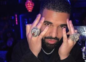 Drake embarrassed after audience kept booing at him during Camp Flog Gnaw festival