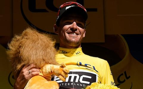 <span>Greg Van Avermaet holds his Credit Lyonnaise lion at the 2016 edition of the race</span> <span>Credit: Getty Images </span>