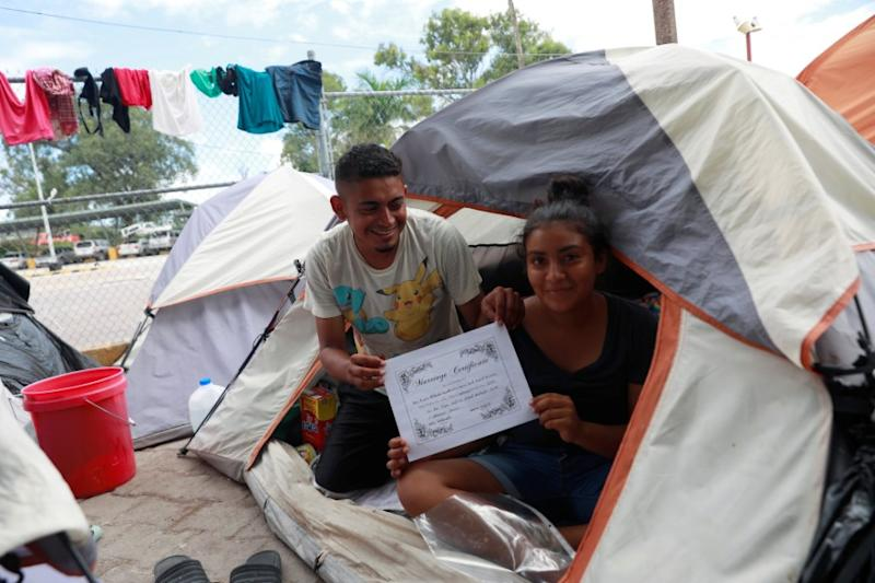After US Court Ruling, Honduran Newlyweds Among Migrants Clinging to Asylum Dream