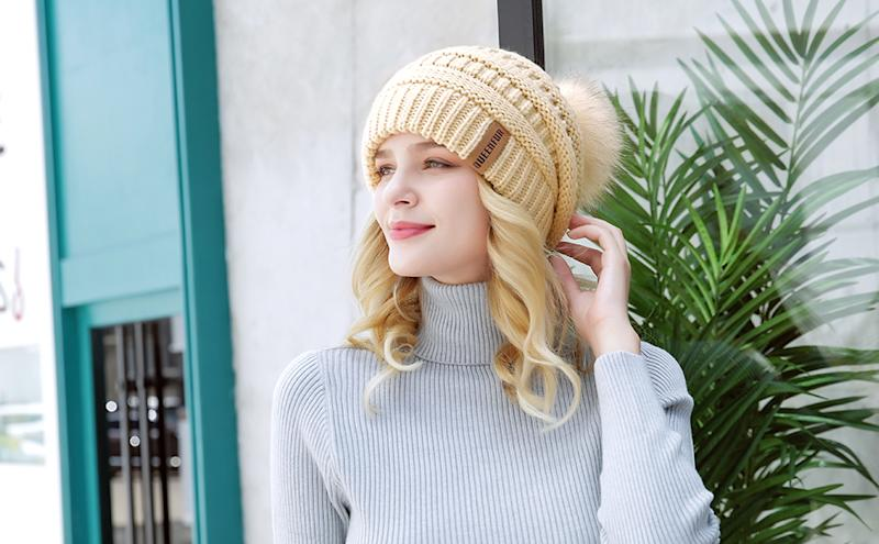 Queenfur Knit Slouchy Beanie. Image via Amazon.
