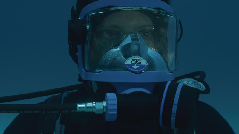 Mayne using the rebreather which he spent over a week learning how to use. — Picture courtesy of Discovery Channel