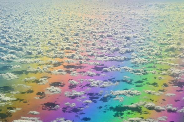 Plane passenger captures spectacular images of 'rainbow' from window