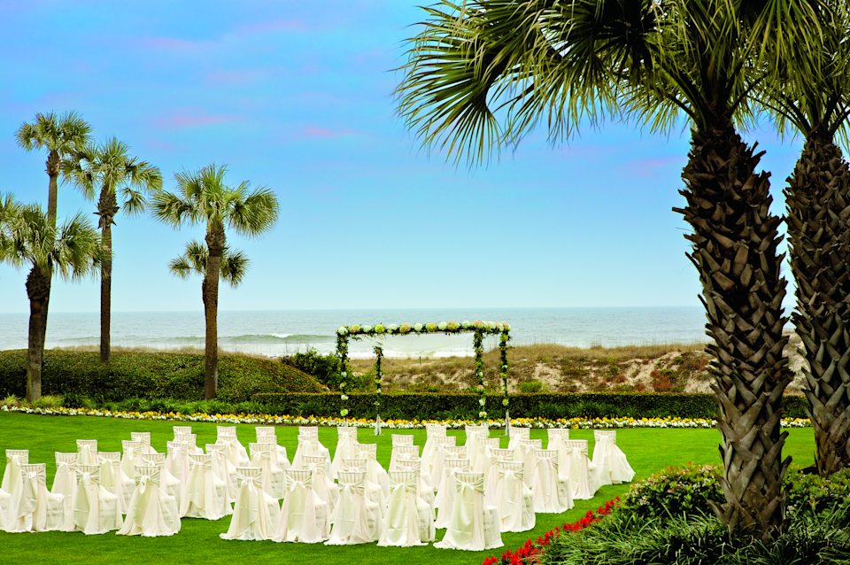 The oceanfront lawn at the Ritz-Carlton, Amelia Island in Florida is an ideal space for a small wedding.