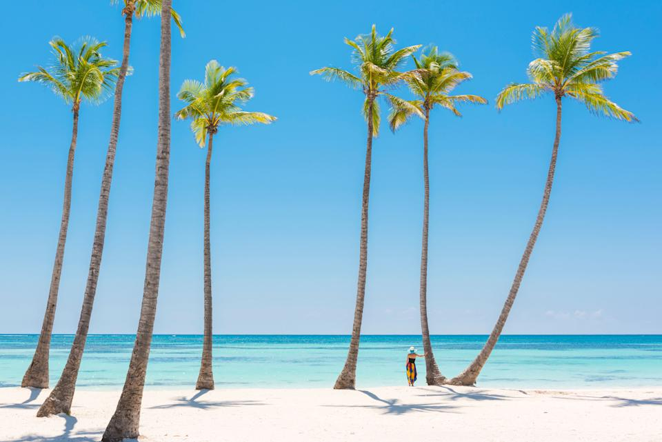 Beach destinations are all the rage for people's post-vaccination travel goals. (Photo: © Marco Bottigelli via Getty Images)