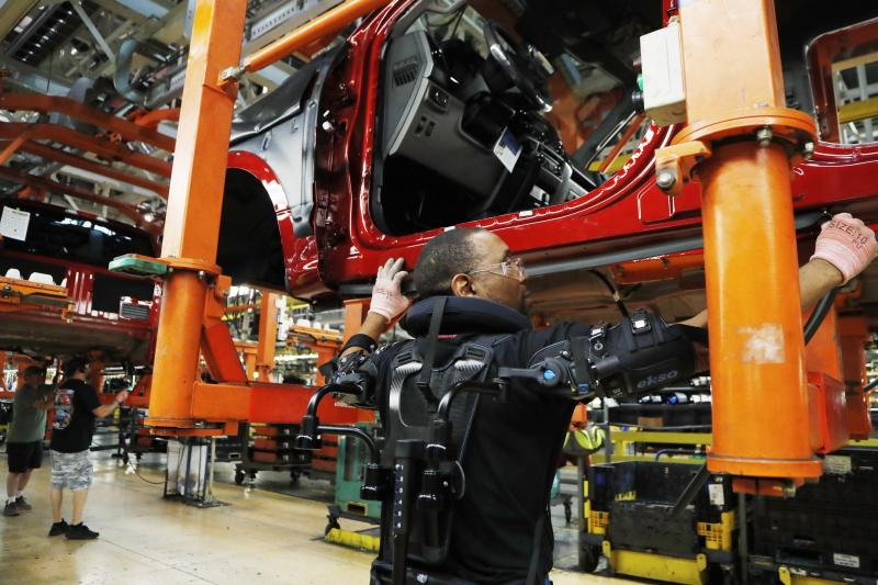 US industrial production ticks up 0.1 percent in October