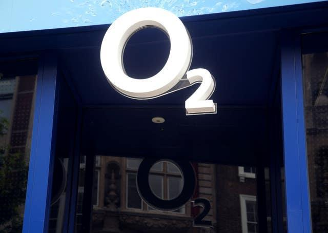 O2 announced on Wednesday it was introducing a fair use cap of 25GB when in EU countries