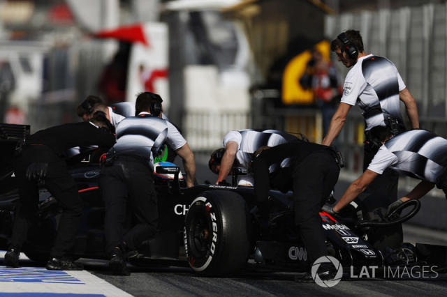 "Alonso se ""reencuentra"" con los problemas <span class=""copyright"">Alastair Staley / Motorsport Images</span>"