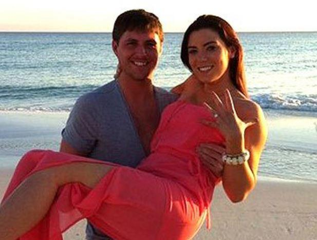 <p>Despite Andrew Shaw taking another lady to Fernando, he soon realised the error of his ways and tracked down Lindsay McCartney. After dating for over a year, Andrew popped the question and the married couple now live in Melbourne, Australia (Photo: Facebook/LindsayShaw) </p>
