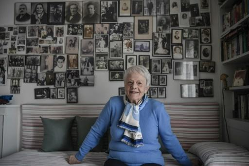 Lola's family fled to Athens from Thessaloniki in January 1941, a few months before the capital fell