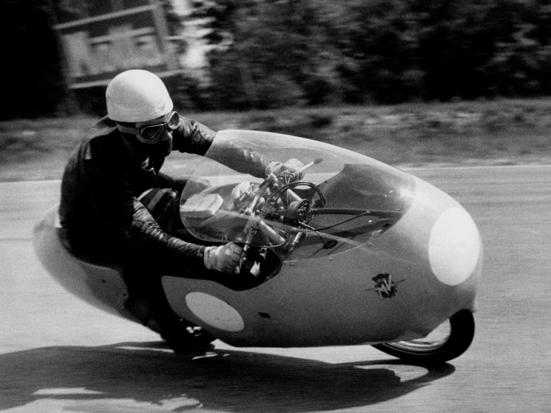 Carlo ubbiali. mv agusta 125 cc. 1957. (Photo by: Touring Club Italiano/Marka/Universal Images Group via Getty Images)