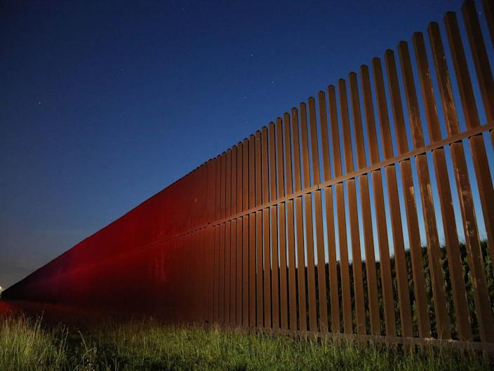 US border wall under construction (Zoeann Murphy)