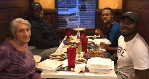 Jamario Howard and his friends asked a woman to have dinner with them after noticing she was alone. (Photo: Facebook)