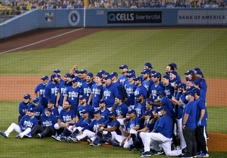 Dodgers clinch 8th straight NL West crown