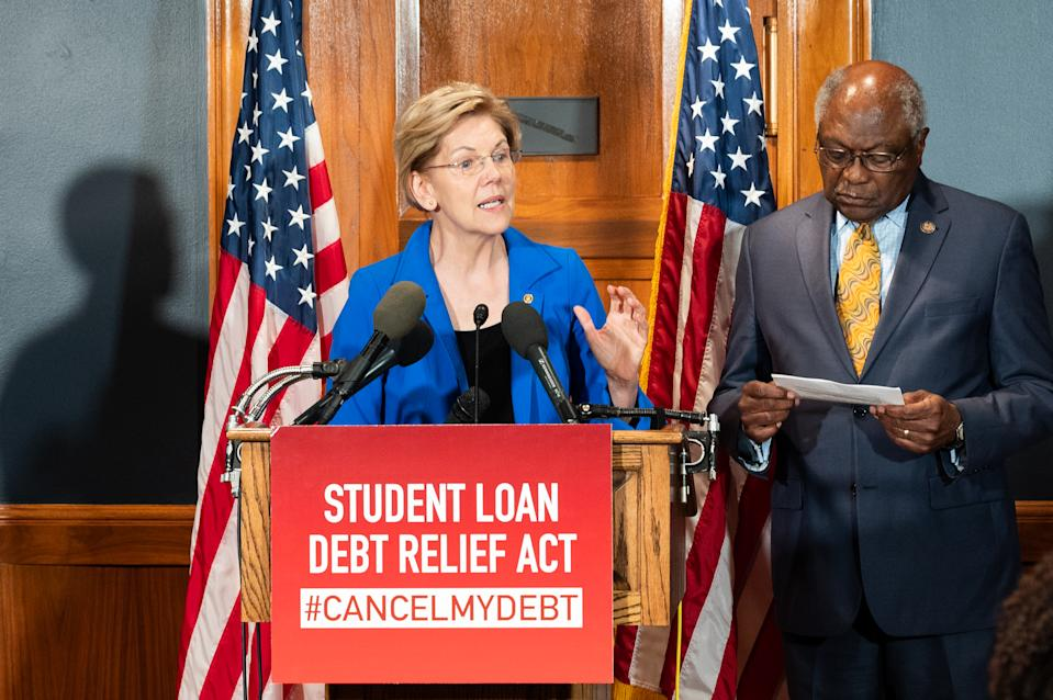 WASHINGTON, DC, UNITED STATES - 2019/07/23: U.S. Senator Elizabeth Warren (D-MA) speaks at a press conference during the introduction of a bill to cancel students loan debt held at the Capitol in Washington, DC. (Photo by Michael Brochstein/SOPA Images/LightRocket via Getty Images)