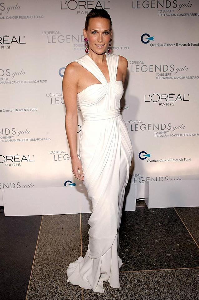 """Molly Sims arrived at the L'Oreal Legends Gala to Benefit the Ovarian Cancer Research Fund at the American Museum of Natural History in New York City in an elegant white halter dress. Jemal Countess/<a href=""""http://www.wireimage.com"""" target=""""new"""">WireImage.com</a> - November 10, 2008"""