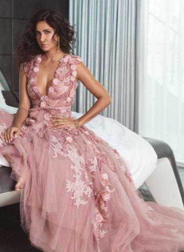 """<p>Recommended Read: <a rel=""""nofollow"""" href=""""https://www.pinkvilla.com/entertainment/news/salman-khan-and-katrina-kaif-star-khan-388813#utm_source=yahoo&utm_medium=referral&utm_content=yahoomovies"""">Salman Khan and Katrina Kaif to star in 'Khan'? </a></p><p>The diva, who is known for her undivided and unabashed love for fashion, is an absolute vision on the latest cover of Harper's Bazaar.</p>"""