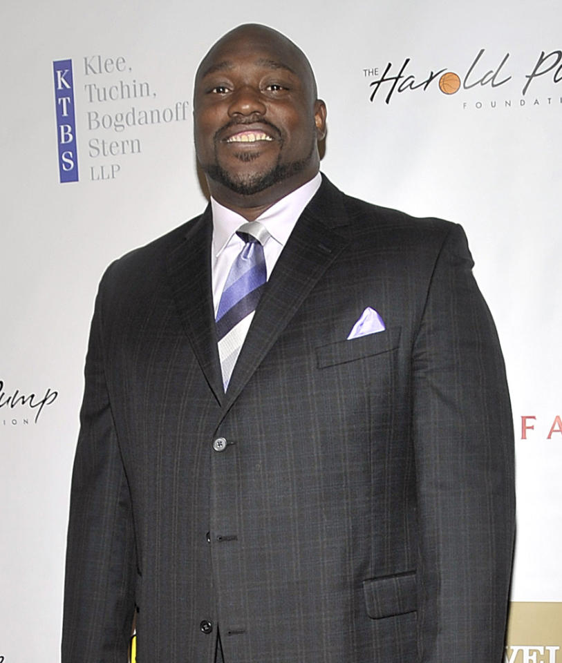 <b>Warren Sapp</b><br><br>This seven-time NFL All-Star and Defensive Player of the Year played pro football for 13 years, and is now an NFL analyst.
