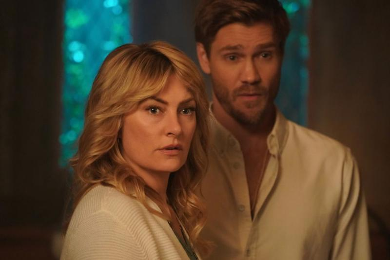 Madchen Amick as Alice Cooper and Chad Michael Murray as Edgar Evernever   Shane Harvey/The CW
