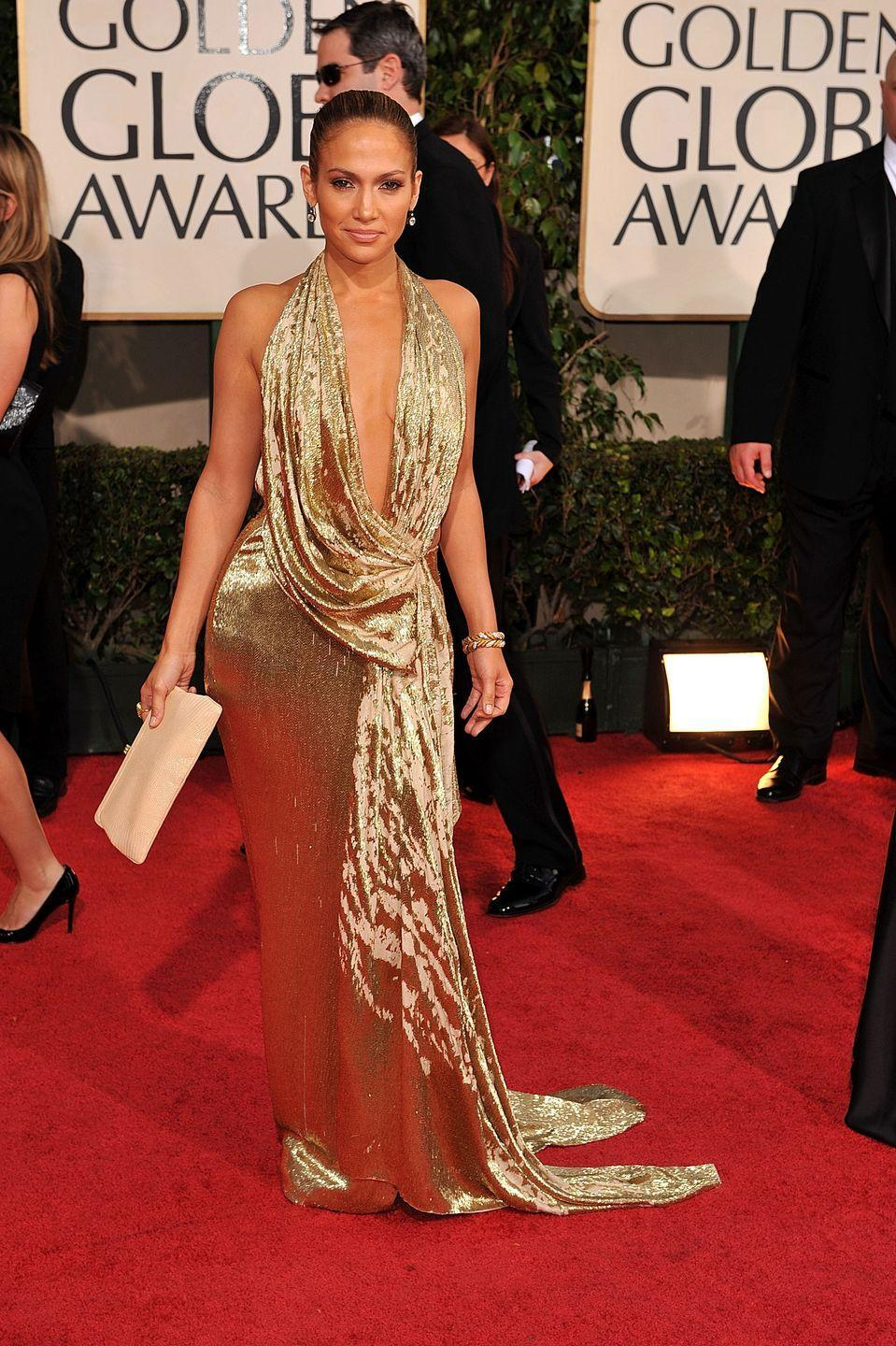 <p>It's difficult to say whether anyone does gold dresses better than J.Lo...</p>
